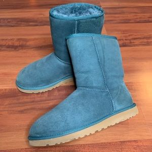 UGG Short Forest Green Boots